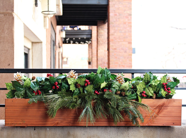 WinterChristmasWindowbox